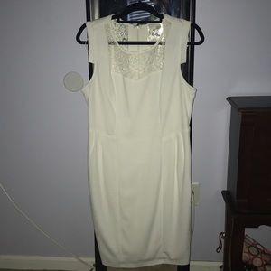White lace no sleeves dress (WORN ONCE)